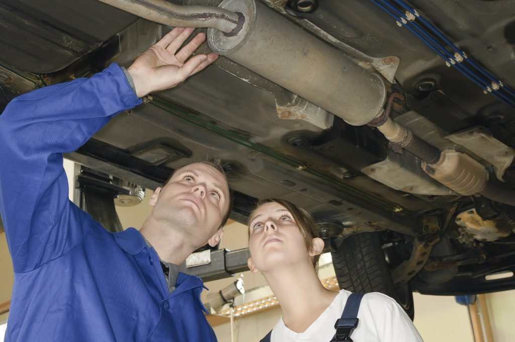 Signs Your Car Exhaust System Is Damaged | AAMCO Minnesota