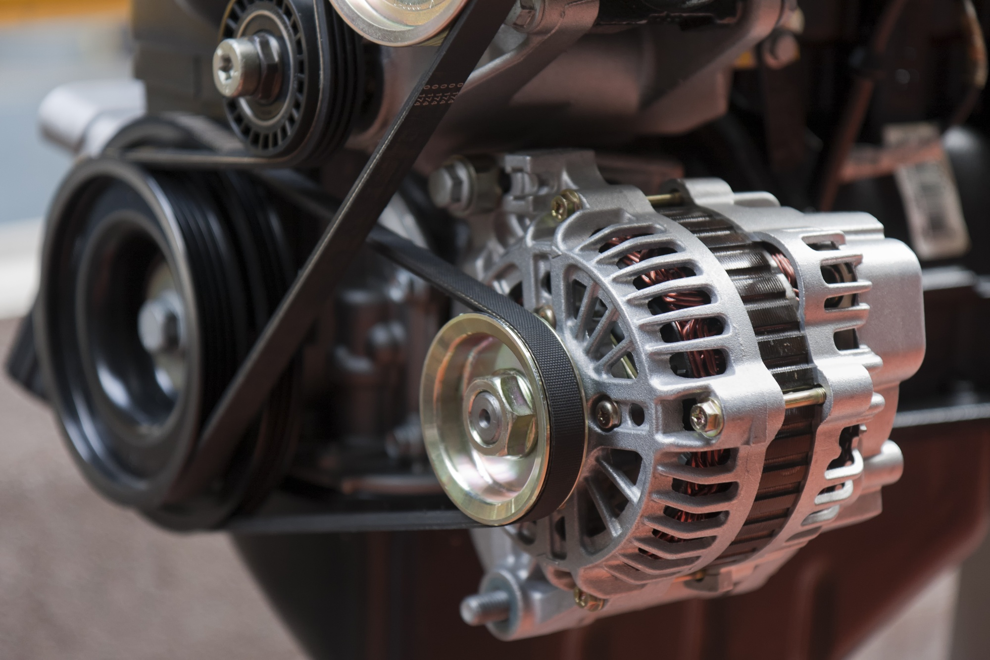 7 Signs of a Failing Alternator | AAMCO Minnesota